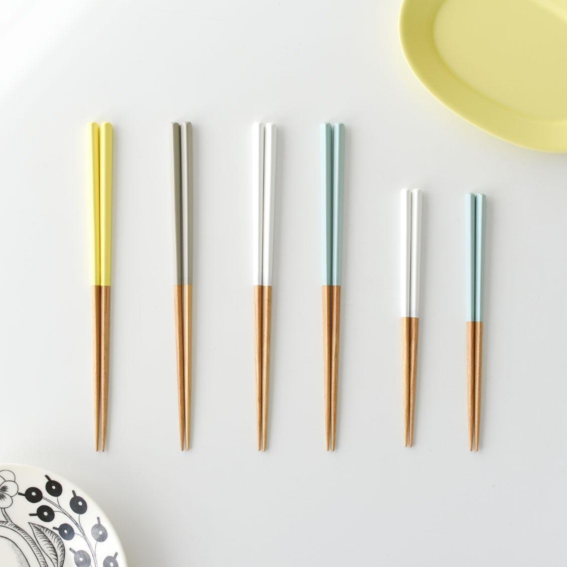 """【新商品】手になじむ""""三角形""""だから持ちやすい!私たちが毎日使いたいお箸をつくりました。"""