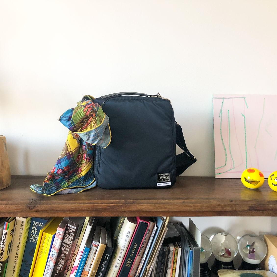 【あの人のバッグ】サイズは小さめ、荷物も少なめ。でも「かわいい」が詰まってる(「petite robe noire」デザイナー・阿部好世さん)