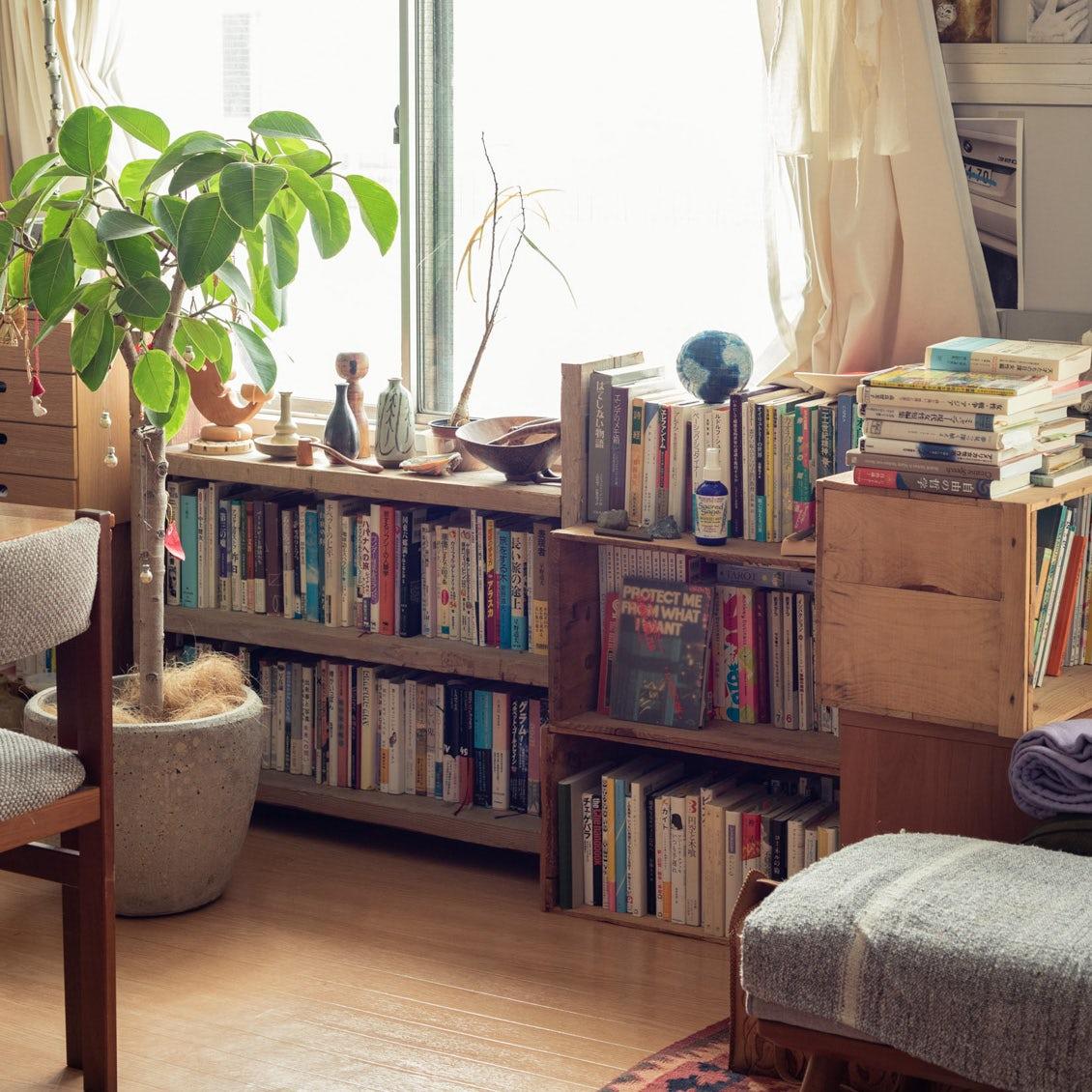 【本棚を主役に】本棚インテリアのおしゃれに見せるコツや収納術、DIYアイデアなど