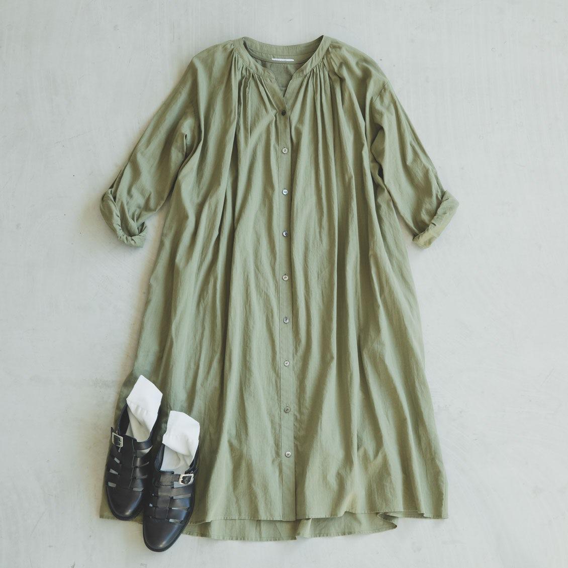 【大人の靴下マニュアル】スカートスタイルのとき。足元コーデに迷わないタイツや靴下の合わせ方