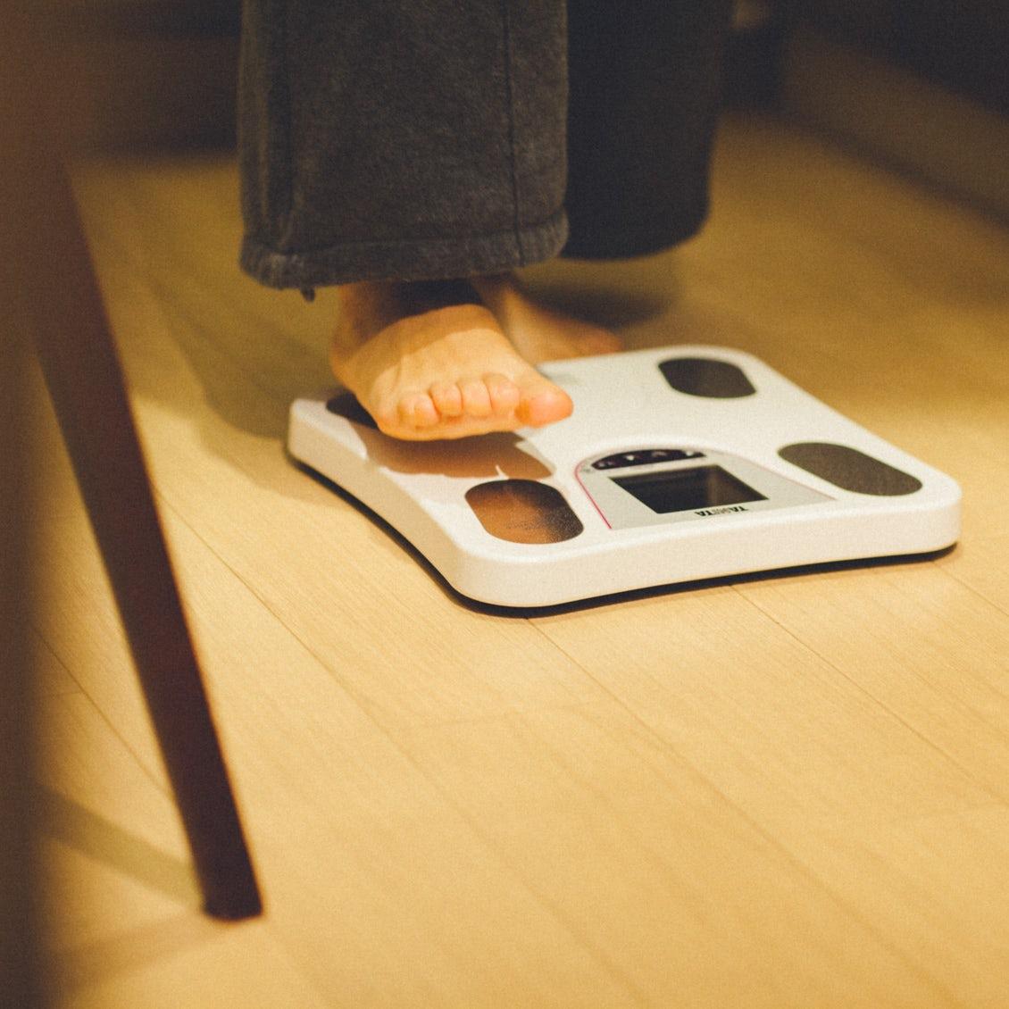 【家事でゆるリセット】前編:「ごみ捨て」だって筋トレ?いつもの家事でお正月太りを解消