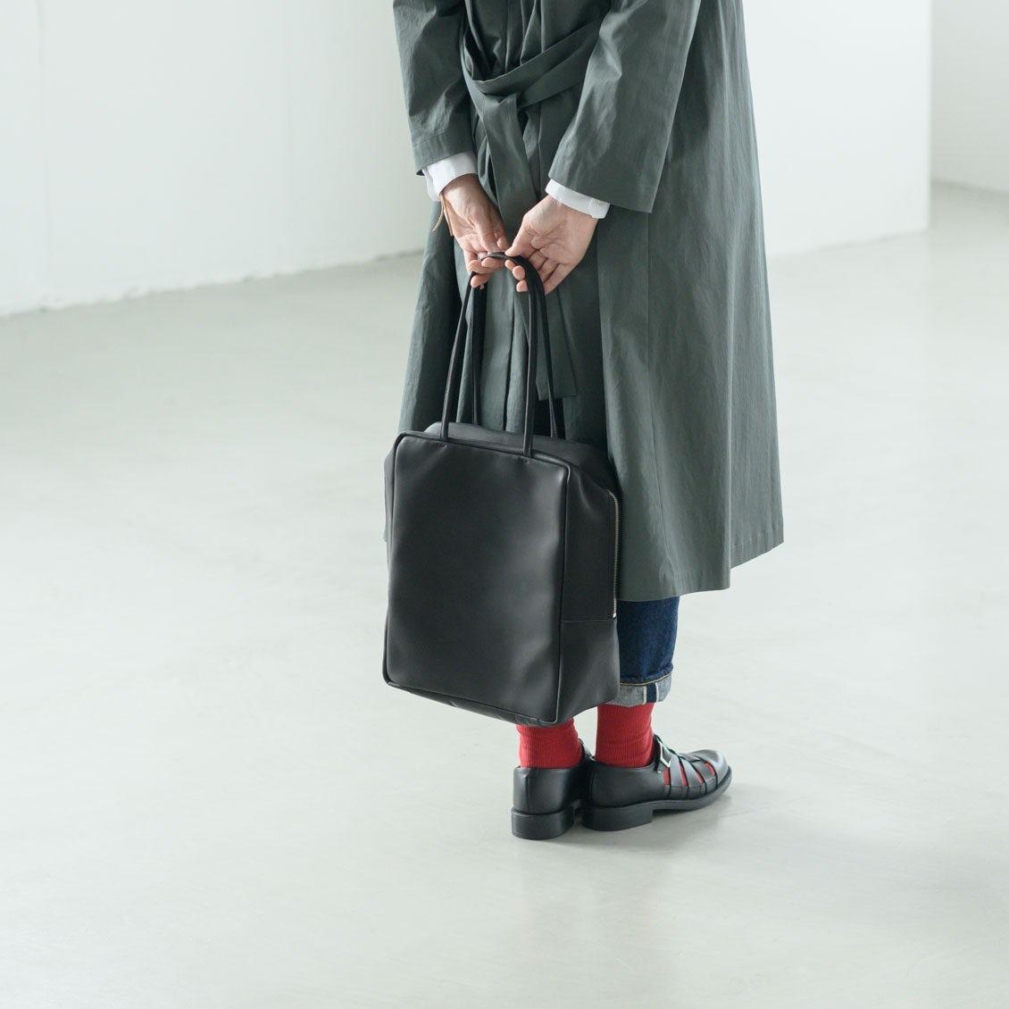 【新商品】通勤にぴったり!たっぷり収納できて、女性らしいレザーバッグの登場です!