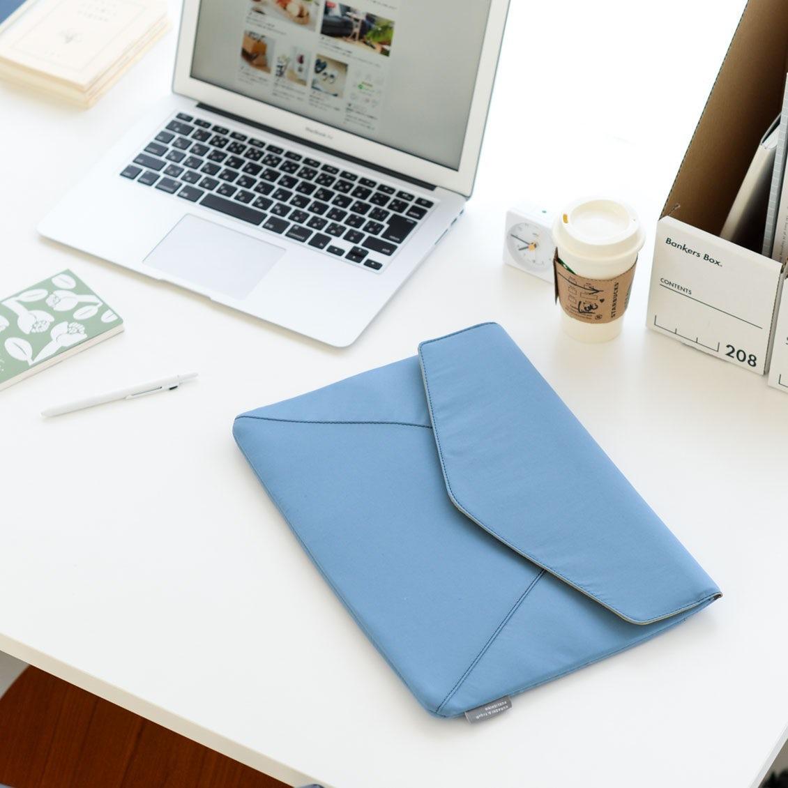 【新商品】スリムだから持ち歩きやすい。かわいいレター型のPCケースをつくりました!
