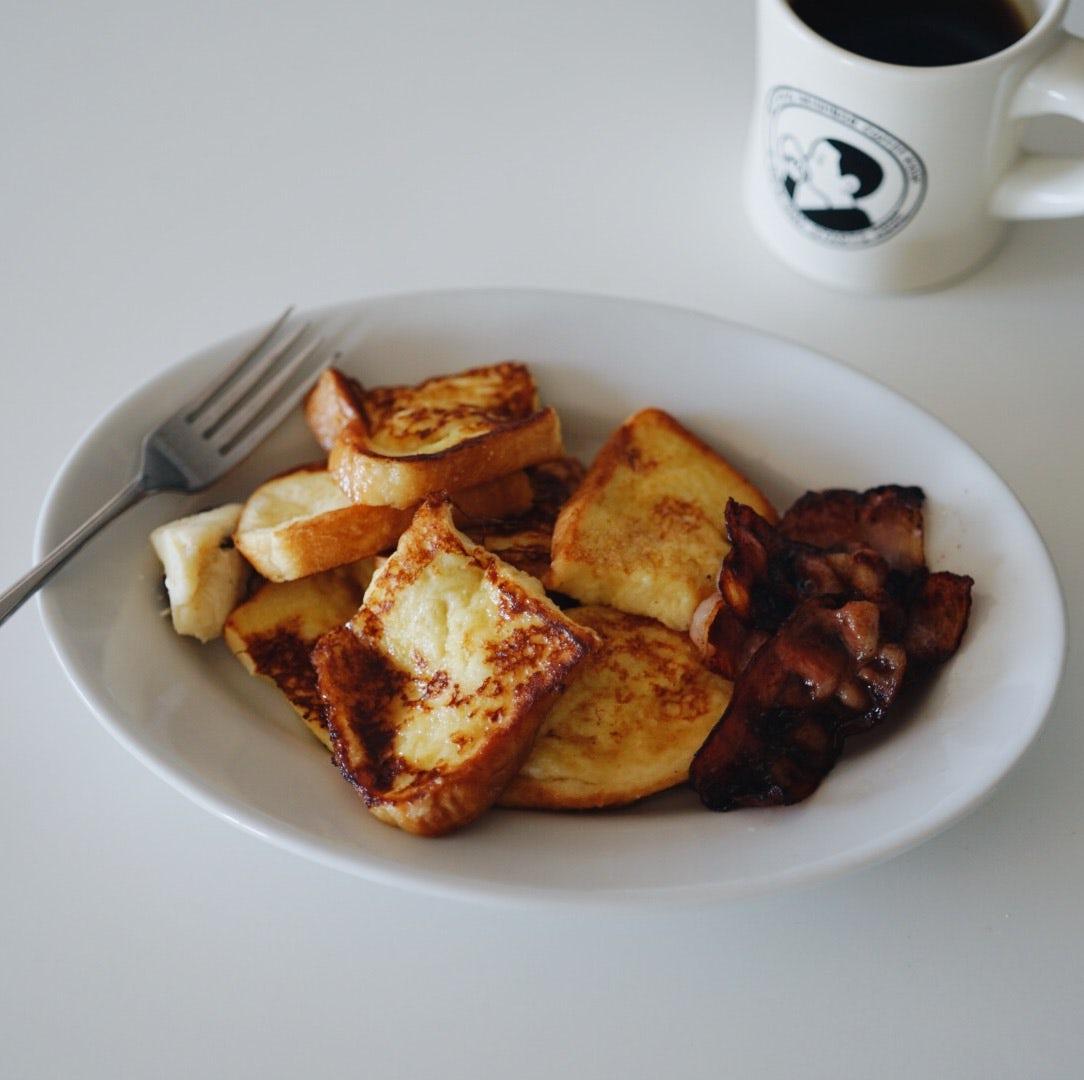 【僕のおやつ日記】お休みの日は、ちょっと遅く起きて特別な朝ごはんを。