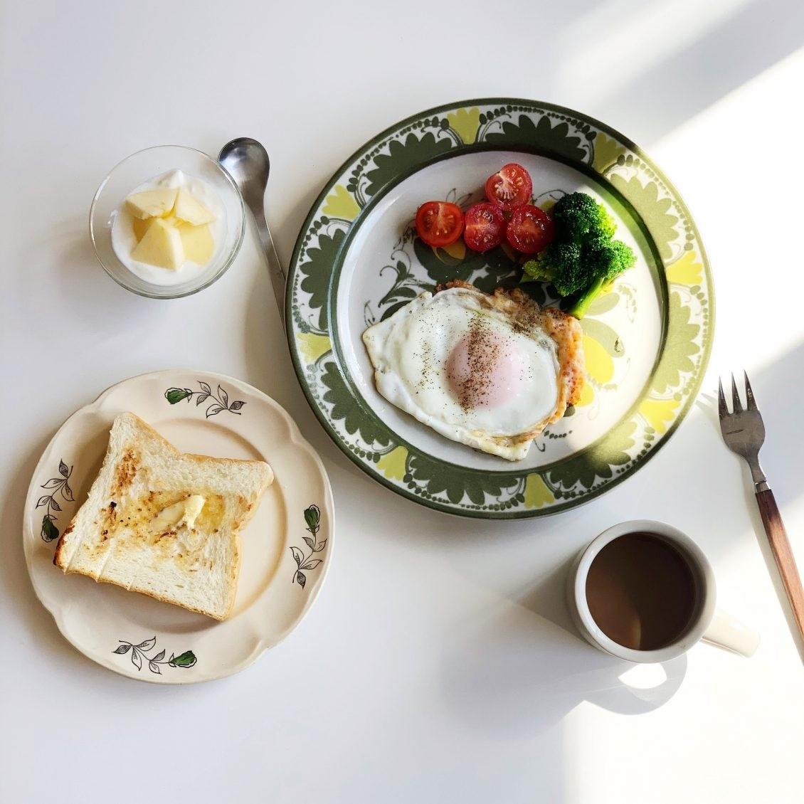 【朝食と器】お気に入りの器にのせて。スタッフの「休日朝ごはん」を大解剖!(vol.1)