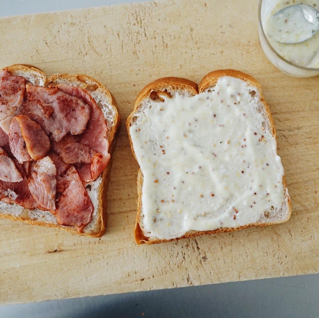 【僕のおやつ日記】ある朝の小さな発明。魔法のサンドイッチソース。