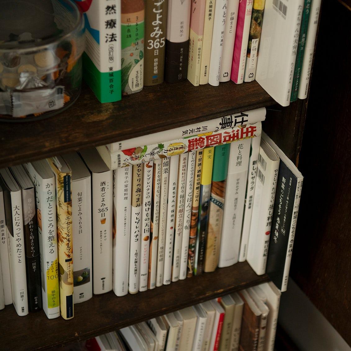 【わたしと本棚】家時間のおともに読みたい、お気に入りの2冊(フォトグラファー・馬場わかなさん)