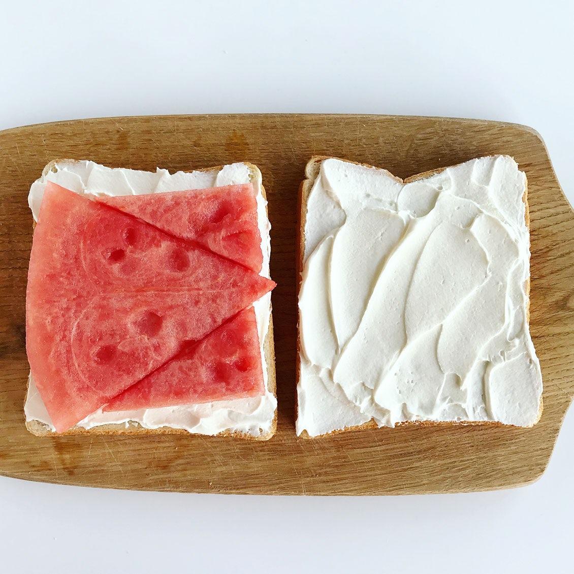 【サンドイッチも、夏コーデ】2話目:ボーダーTシャツのように。夏に爽やか、スイカの赤白サンド