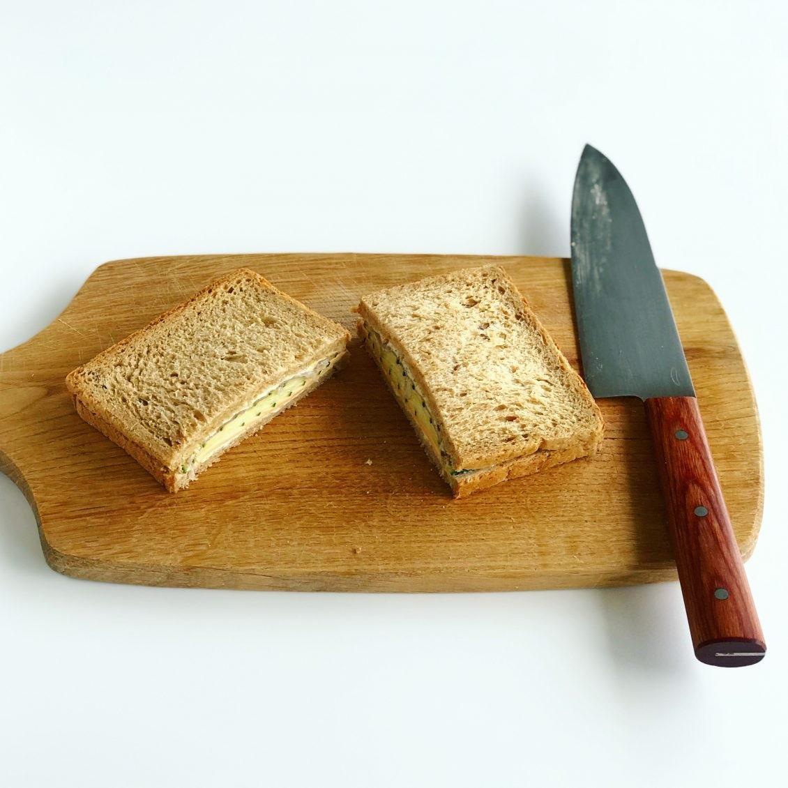 【サンドイッチも、夏コーデ】3話目:ワントーンコーデのように。ライ麦パンの、とっておき生ハムサンド