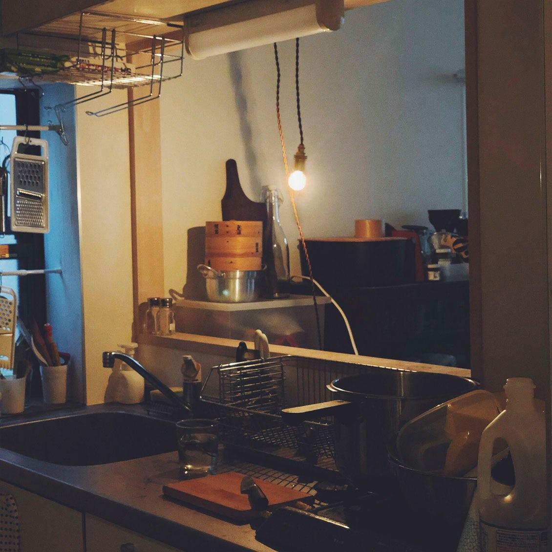 【スタッフの愛用品】マンネリを感じていた暮らしに、「ハンガーライト」を灯してみたら