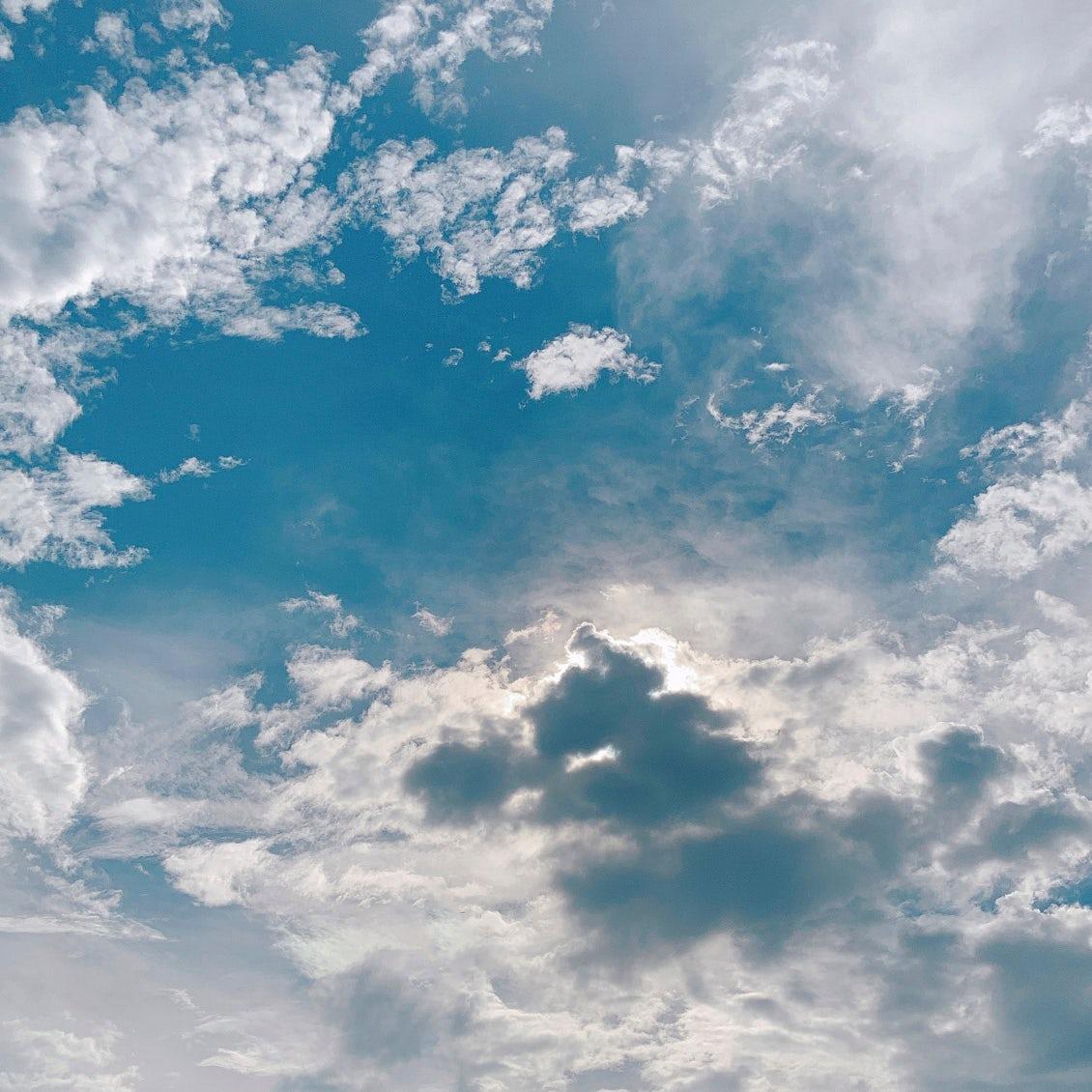 【スタッフコラム】最近の空はひときわ綺麗です