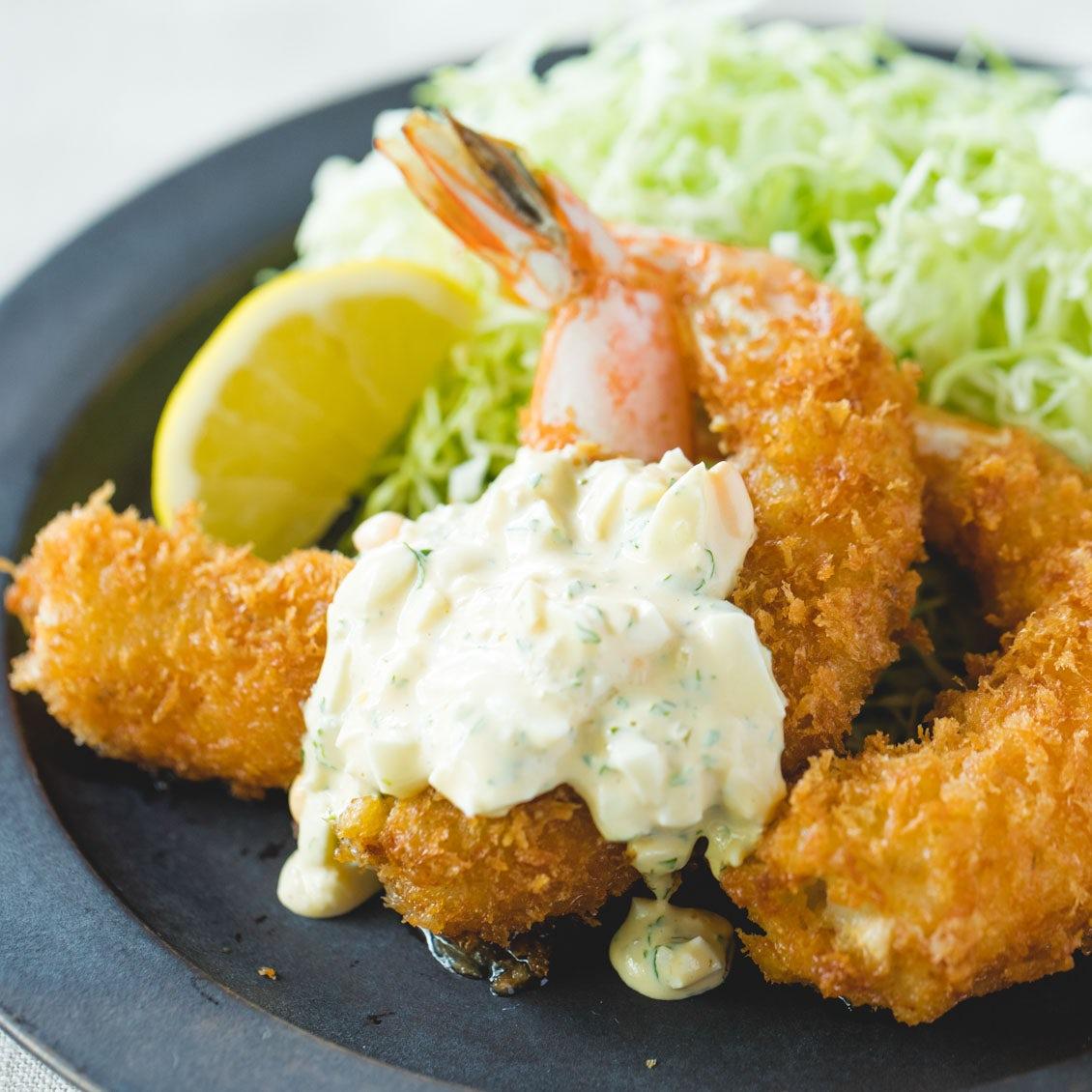 【なつかしい洋食】もう下ごしらえを恐れることなかれ。ぷりぷりの揚げたて「エビフライ」のレシピ