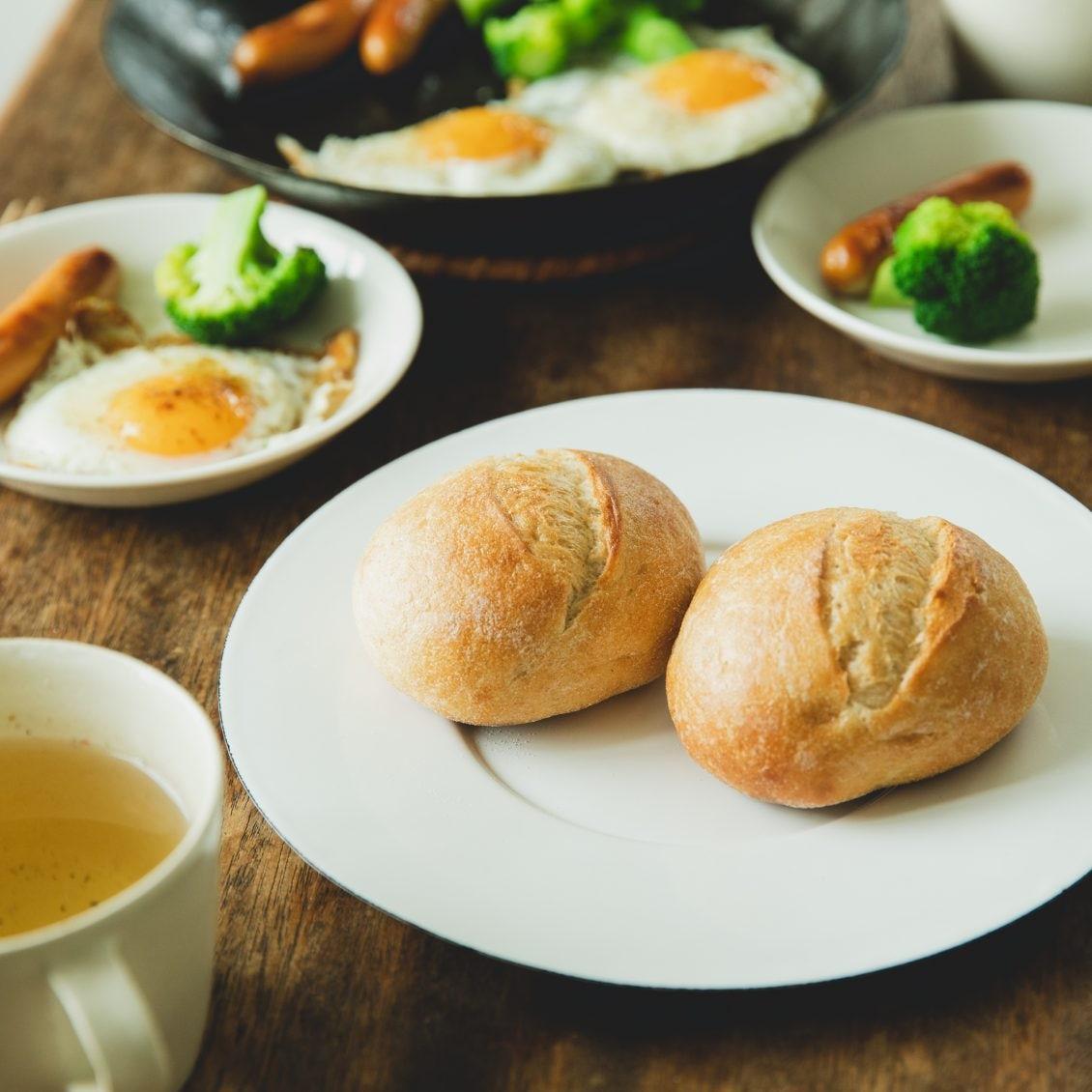 【焼きたてパンのある暮らし】いつもの食事に合う、焼きたてパンが自宅に。当店スタッフが試してみたら
