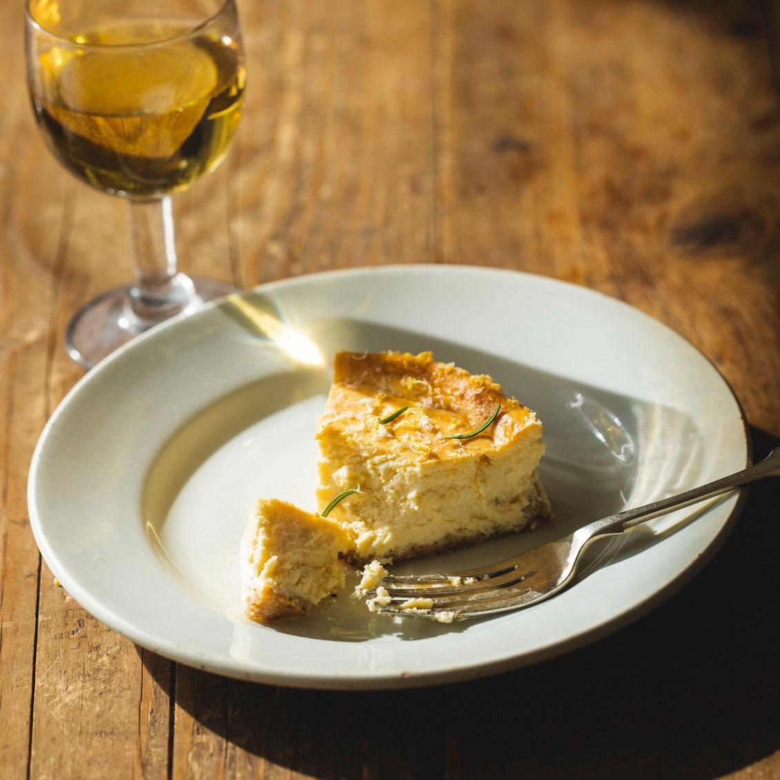 【大人のためのスイーツ】第3話:チーズ好きにおすすめ。甘さと塩気がほどよい「チーズケーキ」