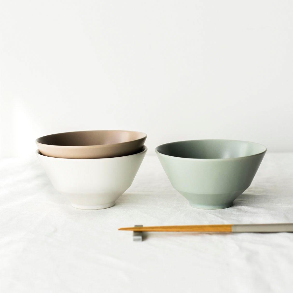 【新商品】当店オリジナル食器に新作登場! 平日夜の食卓をやさしく彩る「ごはん茶碗」をつくりました