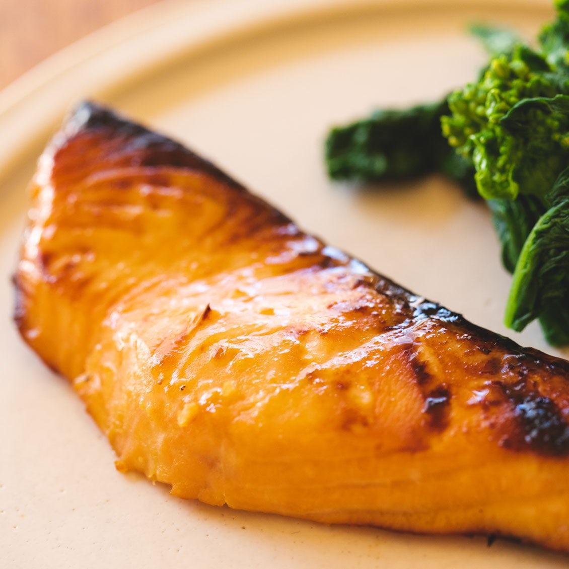 【疲れた日こそ、食べたい魚】第1話:ごはんおかわり必至の絶品「鮭の味噌ヨーグルト漬け」