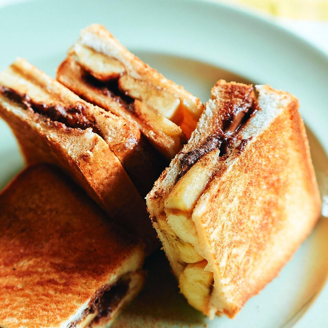 【春はサンドイッチ】第4話:表面サクッ、中とろり。フライパンで作る、バナナとチョコレートのホットサンド