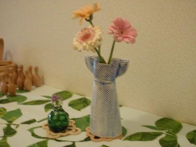 〔お客様より★写真付★〕季節の花を飾っています。